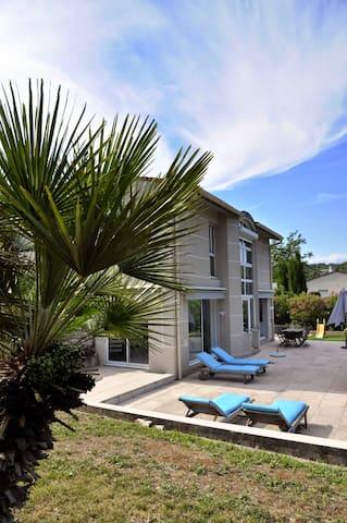 Villa familiale de vacances à Valbonne - Valbonne - Ev