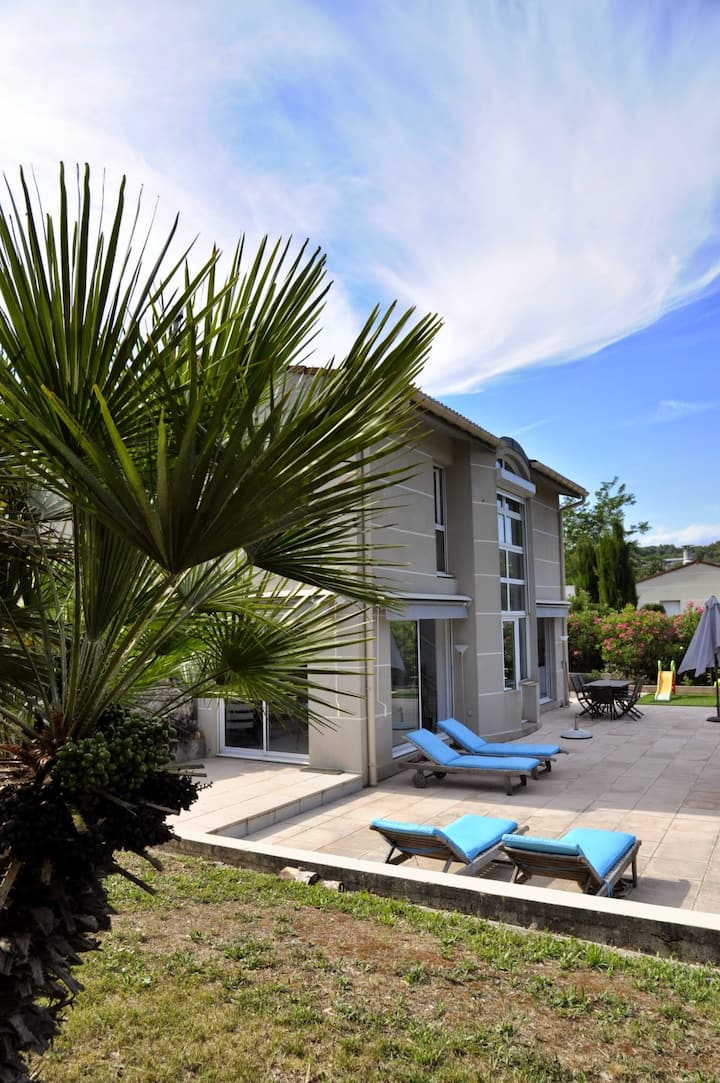 Villa familiale de vacances à Valbonne