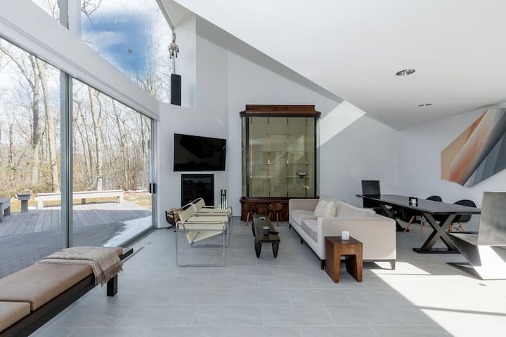 Modern Home in Sag Harbor, NY