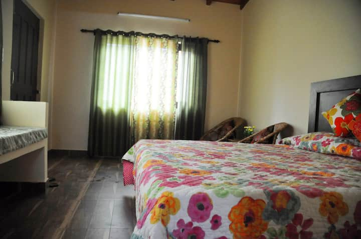 Monal - Deluxe  Room at The Calm Cottages