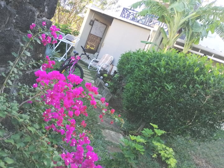 Villa 2 chambres G.Baie Piscine plage  4 personnes