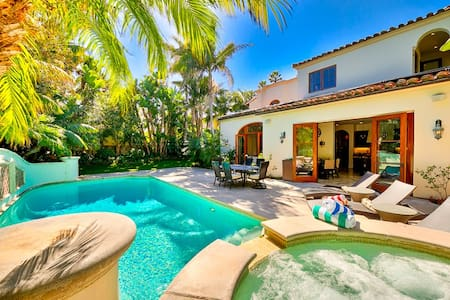 Gorgeous Mansion in La Jolla w/ Views, Pool, Spa and Sauna!