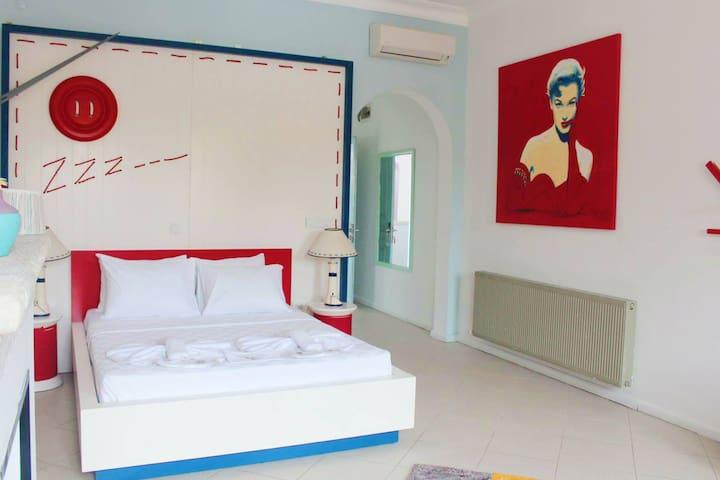 Curcuna Butik Otel - Alaçatı - Bed & Breakfast