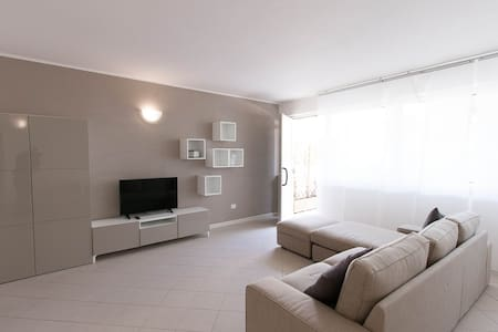 New flat with terrace just ouside Pietrasanta! - Pietrasanta - Apartment - 2