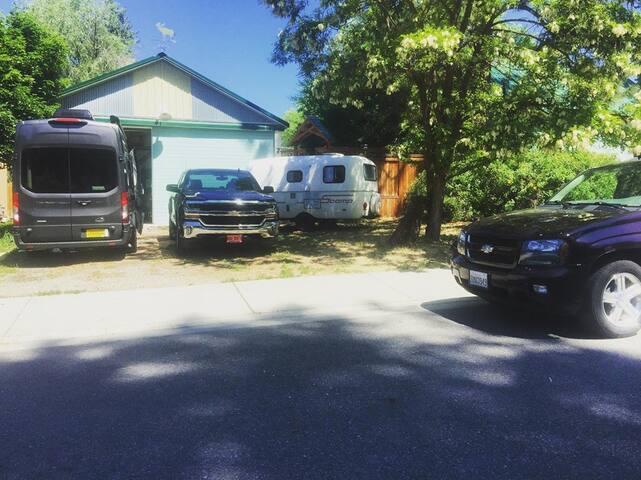 """The Spot"" RV + Van parking near downtown, 420 ok!"