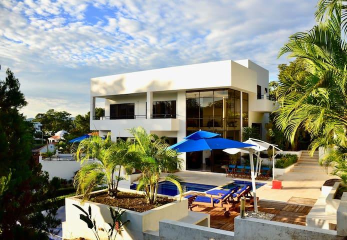 Hermosa casa quinta Carmen de Apicala