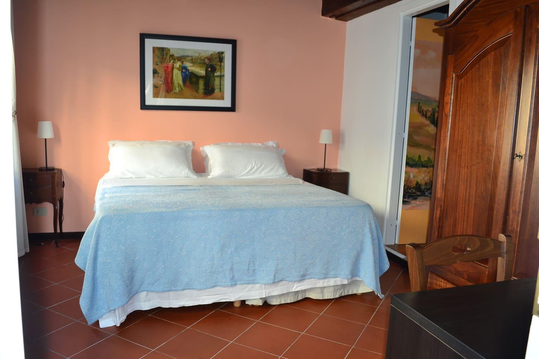 Room Dante (Bed photo A)