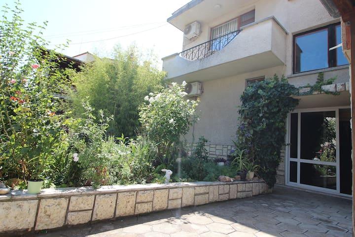Sarafovo Villa 4