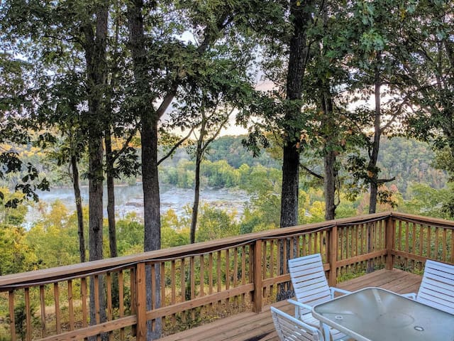 Rare River House Overlooking the Shenandoah!