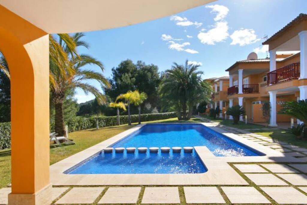 El carrascal front line golf 2 bed apartment aptos en for Piscina el carrascal