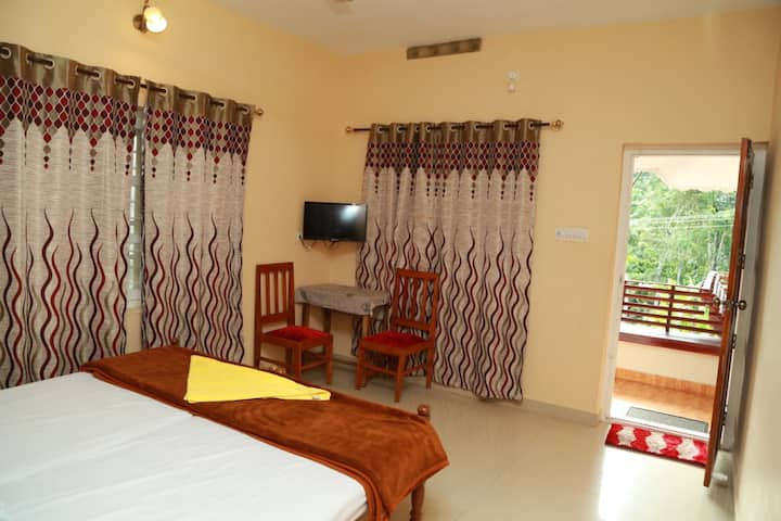 Live in traditional Kerala style - Deluxe Room 2