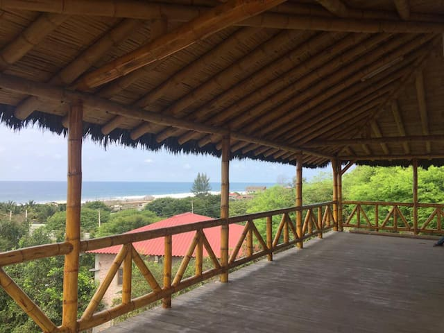 Beach house with ocean view near Montañita
