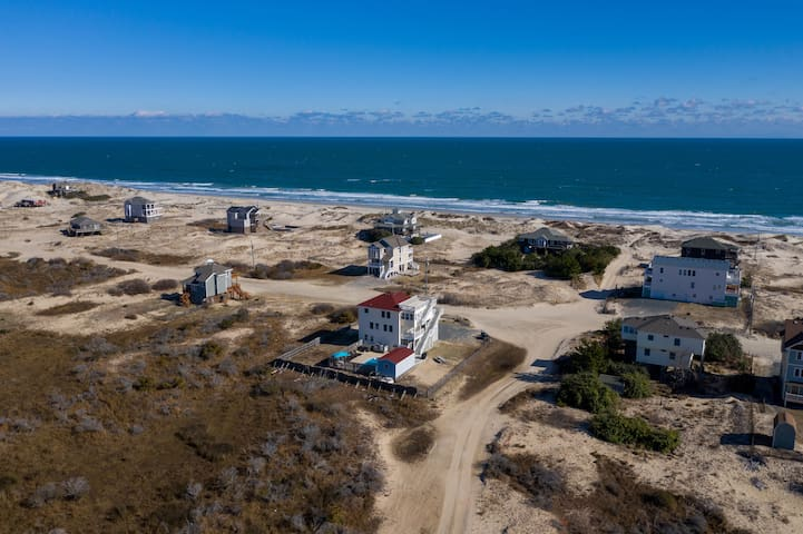 NapsOnTheBeach: Corolla 4x4 House with Ocean views