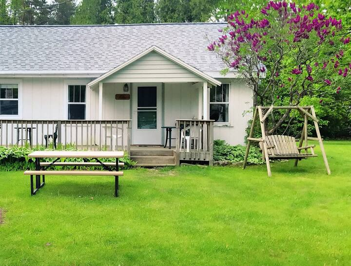 Lilac Cottage at Peninsula Park-View, NEW LISTING