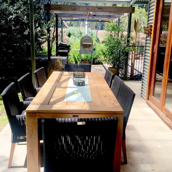 Beautiful Alfresco dinning area with BBQ and wood fired pizza oven
