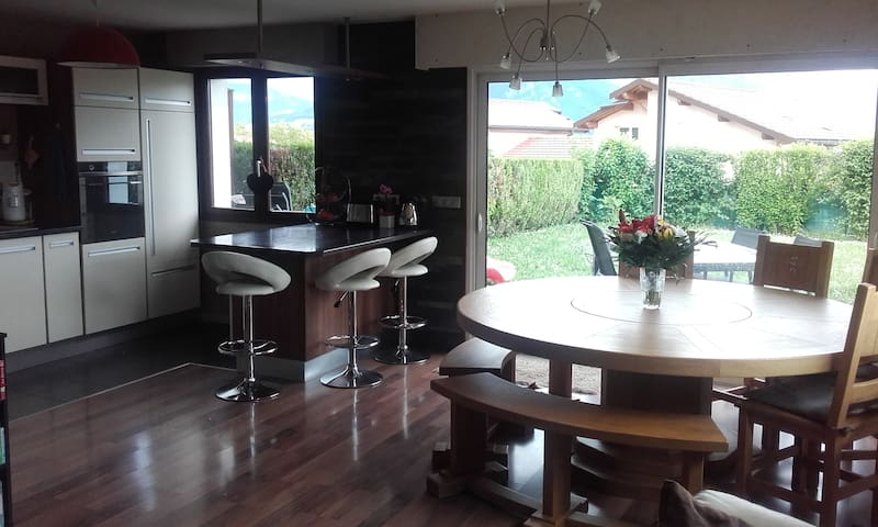 Maison familiale Annecy - Meythet - บ้าน