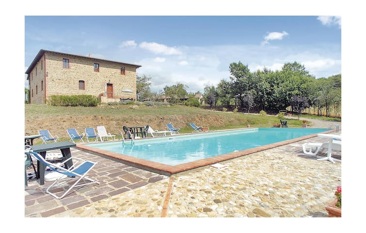 Holiday cottage with 2 bedrooms on 110 m² in S.Vito In Monte TR