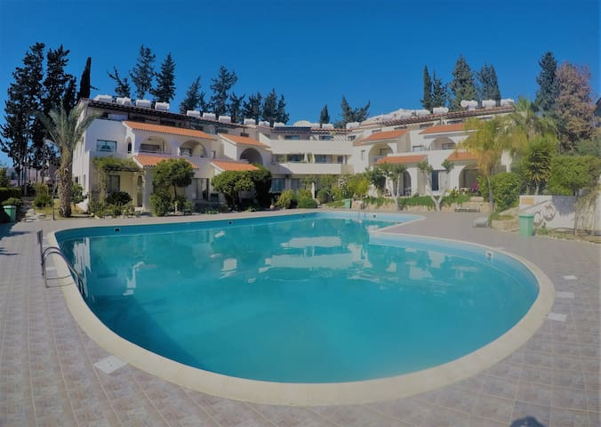 Unique Holiday Apartment - Paphos - Apartament