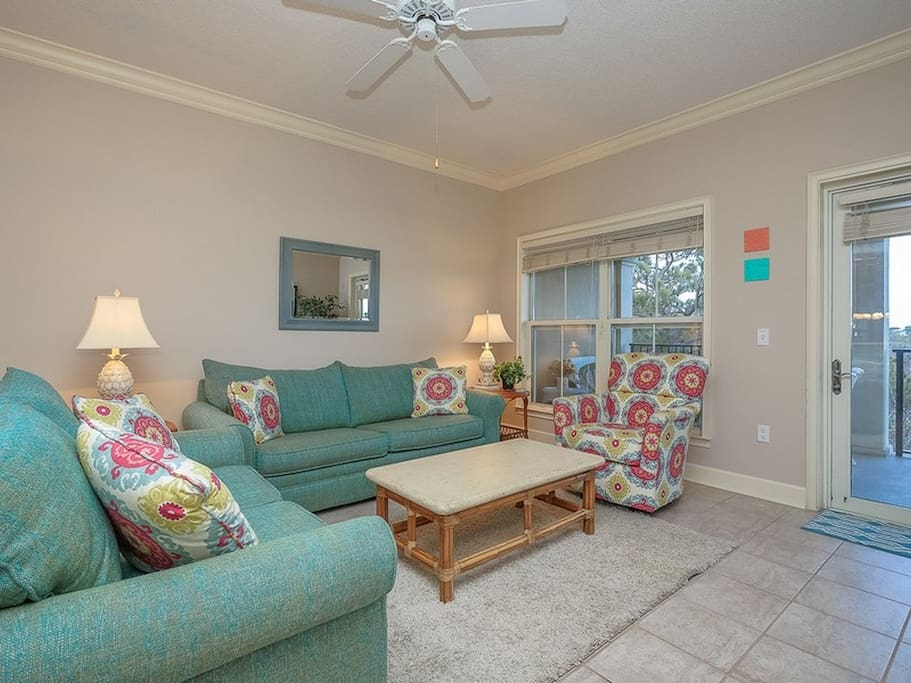 Open Floor Plan makes the Condo bright and open at 507 North Shore Place