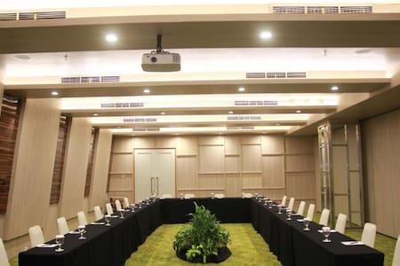 Spotless Room Superior At Central Jakarta