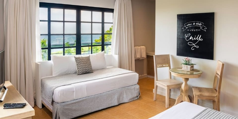 2 Superior Deluxe Rooms good for 6pax in Tagaytay