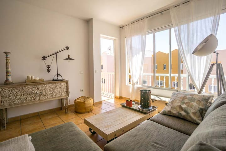 Cosy apartment with balcony in vivid neighbourhood