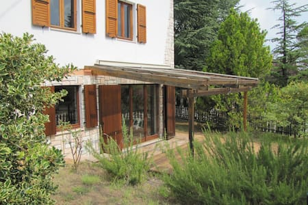 Casa Margani, tra Sarnano e i Sibillini