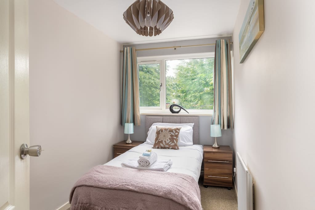 Additional single bedroom