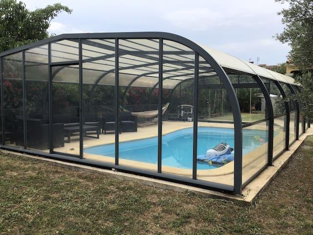 Villa 8 couchages avec piscine couverte