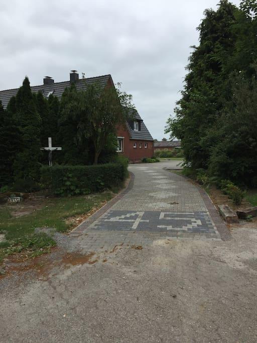 Einfahrt zum Parkplatz