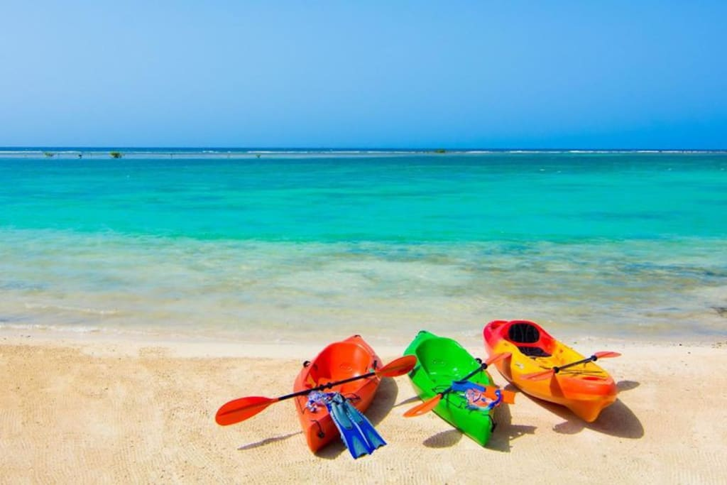 3 Sea kayaks for you to explore the Caribbean sea and nearby reefs!