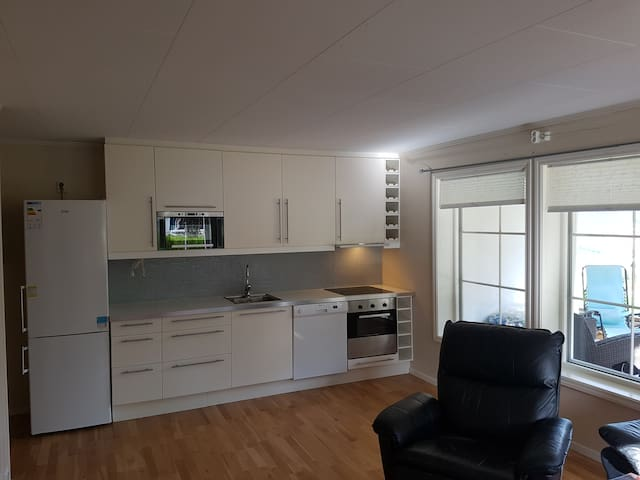 Apartment with view 4km from airport.