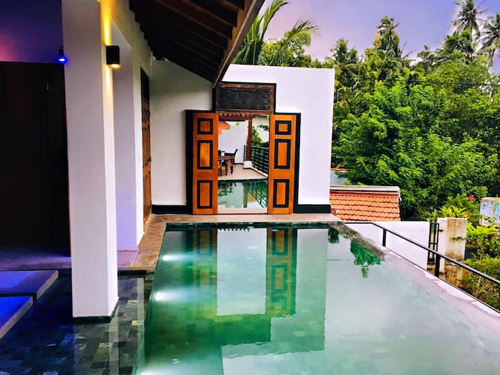 Monsoon Villa Suite