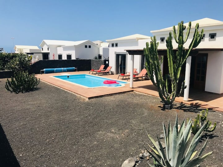 Comfortable 2 bedroom villa with private pool