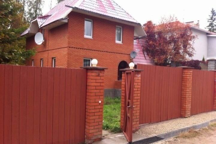Дом 215 м² на участке 14 сот.