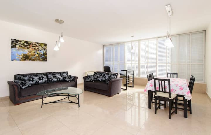 2BR spaceous fully furnished apartment