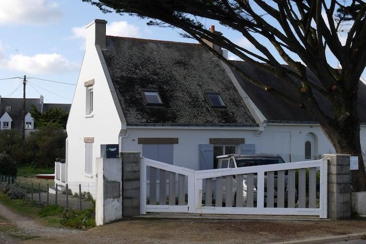 Maison 6 personnes à 50m de la plage.