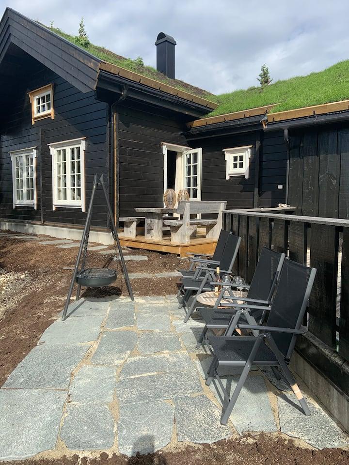 Ny klassisk hytte,  høy standard,  panoramautsikt!