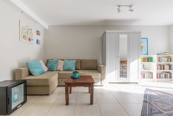 Ruhiges Zimmer mit Sonnenterasse