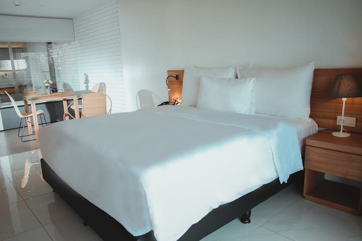 Nagomi Executive Suites C