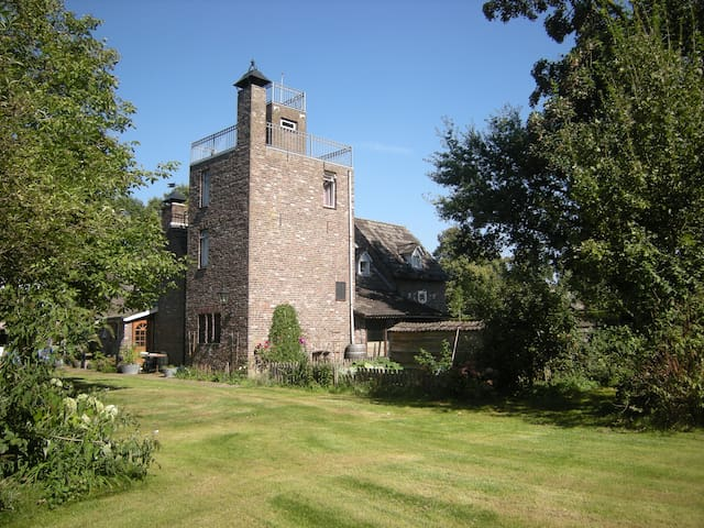 Landelijk vakantiehuis in kasteelsfeer - Panningen - Hus