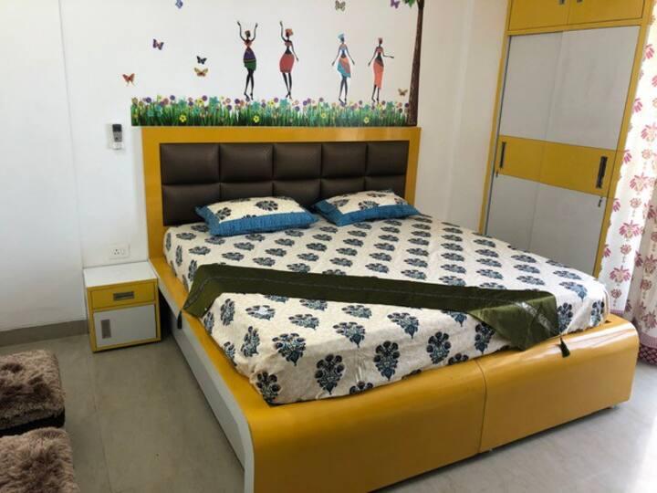 Cozy Emerald Home - Room 3