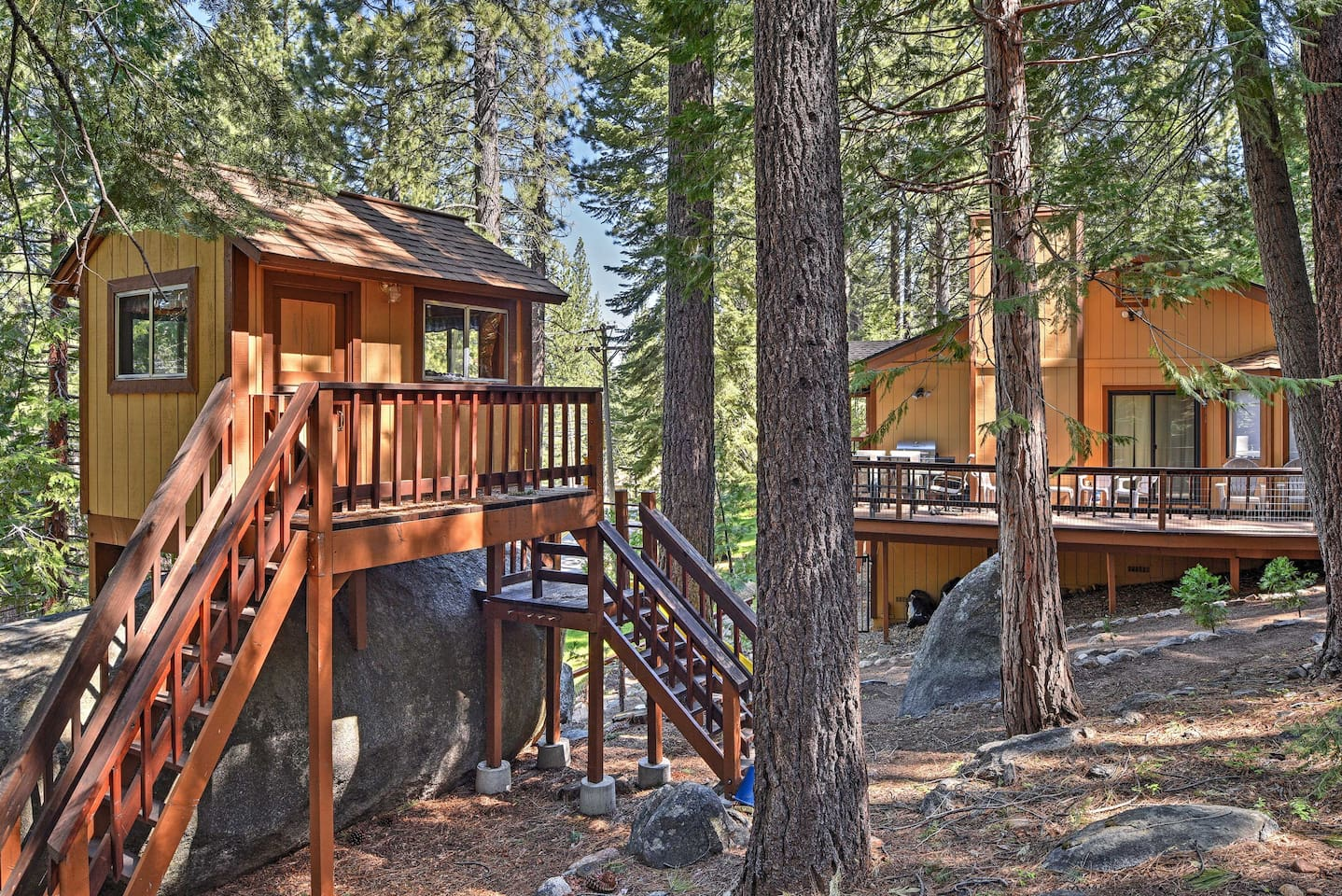 South Lake Tahoe welcomes to you to this 3-bed, 3-bath vacation rental house.