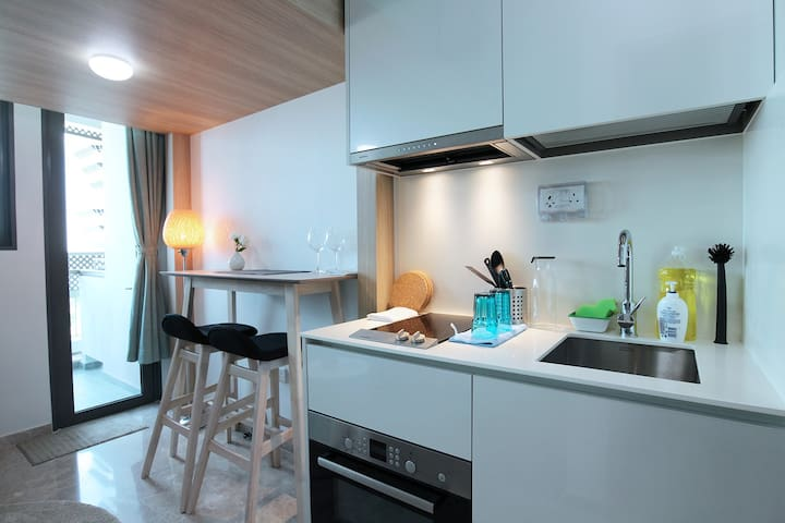 City located studio apartment * BRAND NEW*