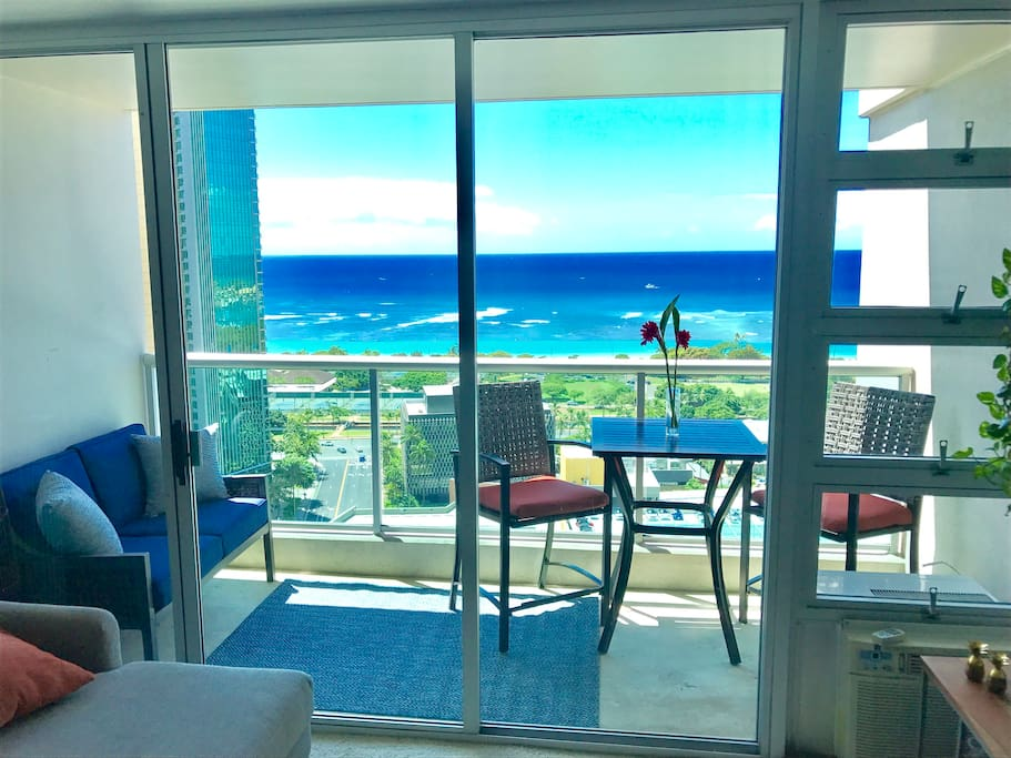 Apartment overlooks Ala Moana Beach Break