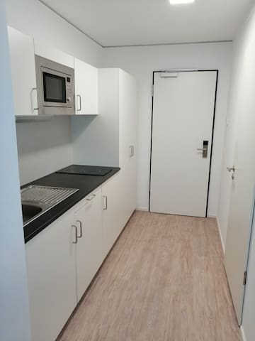 One Room Apartement close to University