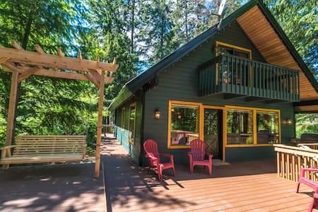 Ponderosa Pines Cabin - Leavenworth
