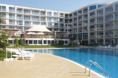 Студия в комплексе Atlantis Бургас, Сарафово - Burgas - Apartmen perkhidmatan