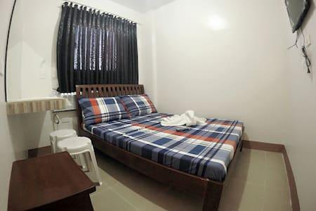 Hotel Georgina 1BR w/ac w/o heater - Amadeo