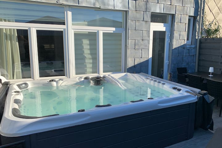 Laines 60 with jacuzzi